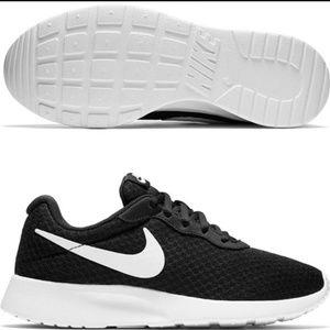 Womens Nike Tanjun